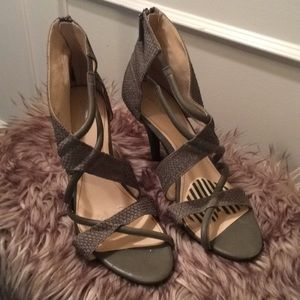 Calvin Klein Sandals Gray Richelle size 10